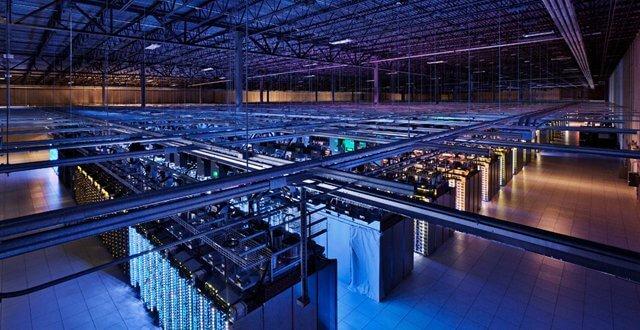 Google hat viele Datencenter und kann Massen von Daten erfassen