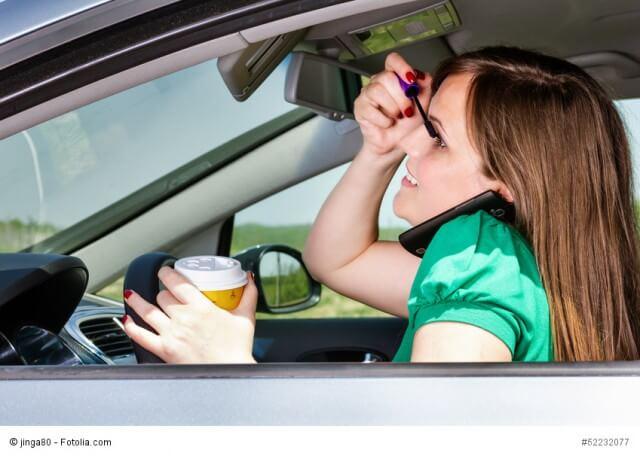 Kfz-Fahrer lehnen Facebook im Auto ab