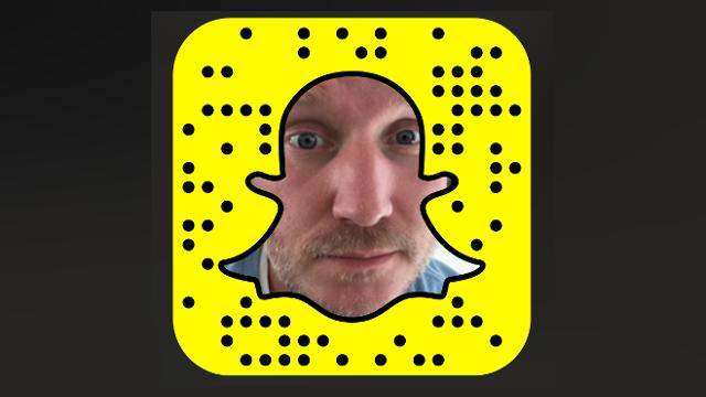 Scanne den Code und folge mir jetzt auf Snapchat
